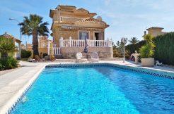 Villa mit Pool in San Luis zu Verkaufen